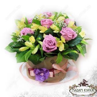 Розы в коробке универсальный подарок на 14 февраля любимой девушкеПсков